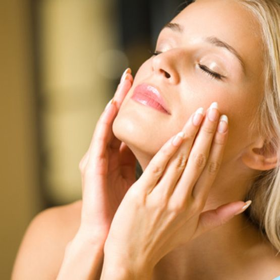 Why Should I Use A Facial Serum? - Medaesthetics